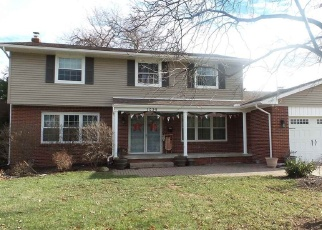 Foreclosed Home in HOLLYWOOD DR, Monroe, MI - 48162