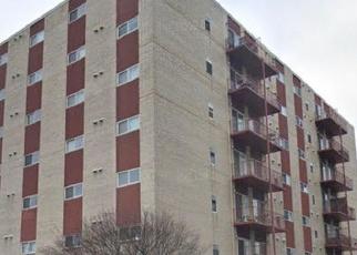 Casa en ejecución hipotecaria in Forest Park, IL, 60130,  DES PLAINES AVE ID: S6329868