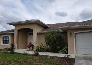 Foreclosed Home en NE 12TH PL, Cape Coral, FL - 33909