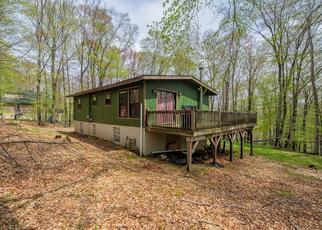 Foreclosed Home en ASH LN, Greentown, PA - 18426