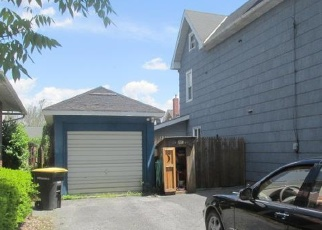 Foreclosed Home en 2ND ST, Whitehall, PA - 18052