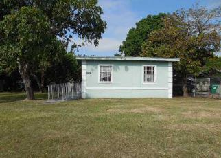 Foreclosed Home en SW 137TH AVE, Homestead, FL - 33032