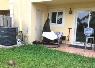 Foreclosed Home en NW 142ND LN, Opa Locka, FL - 33054