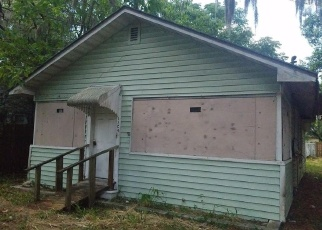 Foreclosed Home in E WOOD ST, Tampa, FL - 33604