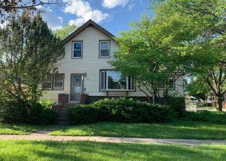 Casa en ejecución hipotecaria in Des Plaines, IL, 60016,  WOODLAWN AVE ID: S6330778