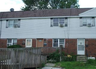 Casa en ejecución hipotecaria in Sharon Hill, PA, 19079,  CLIFTON AVE ID: S6331013