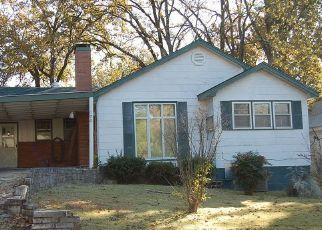 Casa en ejecución hipotecaria in Poplar Bluff, MO, 63901,  FAIRMOUNT ST ID: S6332751