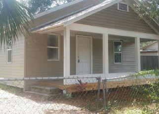 Casa en ejecución hipotecaria in Tampa, FL, 33604,  N BRANCH AVE ID: S6333292