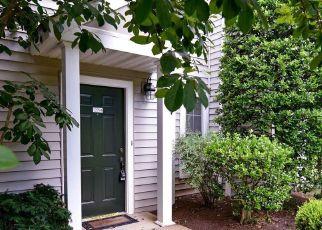 Casa en ejecución hipotecaria in Fairfax, VA, 22033,  FAIR BRIAR LN ID: S6333542