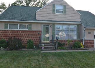 Casa en ejecución hipotecaria in Euclid, OH, 44117,  BRAEBURN PARK DR ID: S6334254