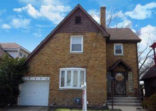 Casa en ejecución hipotecaria in Bellwood, IL, 60104,  BELLWOOD AVE ID: S6334714