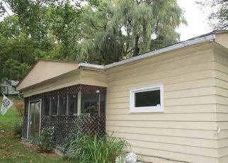 Casa en ejecución hipotecaria in Bath, NY, 14810,  MITCHELLSVILLE HILL RD ID: S6334803
