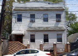 Casa en ejecución hipotecaria in Ridgewood, NY, 11385,  59TH ST ID: S6335787