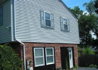 Casa en ejecución hipotecaria in Collegeville, PA, 19426,  LLOYD AVE ID: S6335860