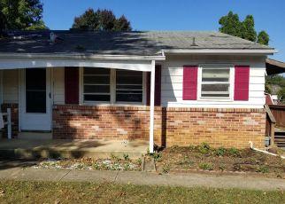 Casa en ejecución hipotecaria in Lititz, PA, 17543,  SPRING AVE ID: S6336703