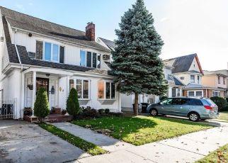 Casa en ejecución hipotecaria in Kew Gardens, NY, 11415,  124TH PL ID: S6337886