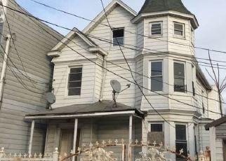 Casa en ejecución hipotecaria in Bronx, NY, 10467,  BARNES AVE ID: S6339309