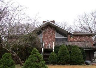 Casa en ejecución hipotecaria in Patchogue, NY, 11772,  SWAN LAKE DR ID: S6339535