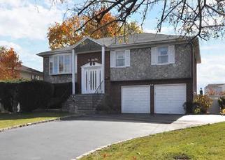 Casa en ejecución hipotecaria in Albertson, NY, 11507,  CRESCENT DR ID: S6339946